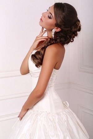 Curly Bridal Hairstyles at Muse Hair Salon in Broadway, Worcestershire